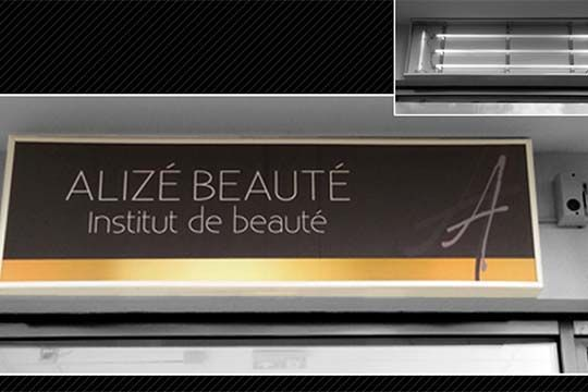 Alizee-Beaute-enseigne-caisson-lumineux-impression-numérique-backlight