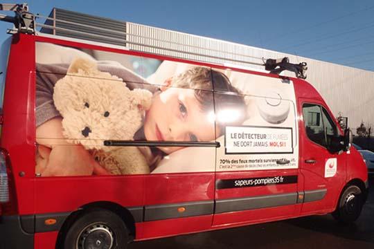 Sapeurs Pompiers 35 - habillage camion - Agraph Publicité - agence publicitaire - Melesse (35)