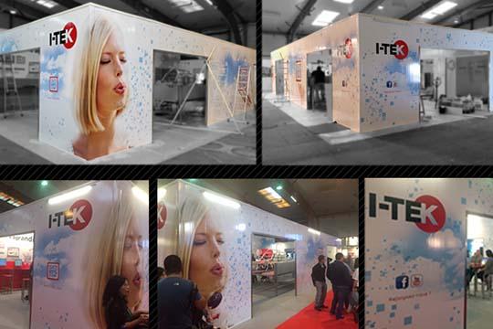 I-TEK - stand décoré par adhésif - Agraph Publicité - agence publicitaire - Melesse (35)