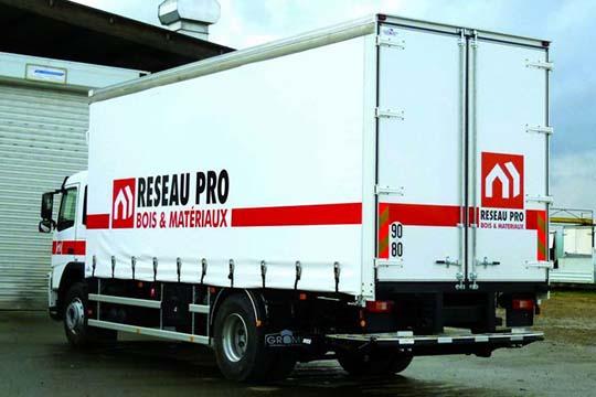 Réseau Pro - décor camion - Agraph Publicité - agence publicitaire - Melesse (35)