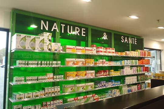 pharmacie-vauchelet-signaletique-lettres-dibond
