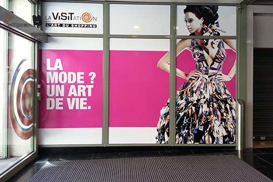 La Visitation - vitrophanie - Agraph Publicité - agence publicitaire - Melesse (35)