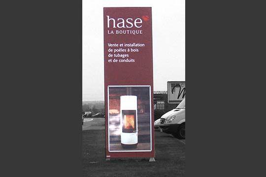 Hase - totem informatif - Agraph Publicité - agence publicitaire - Melesse (35)